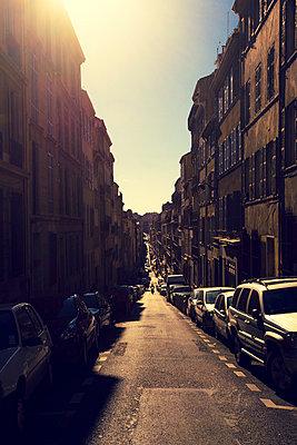Marseille - p432m1000728 by mia takahara