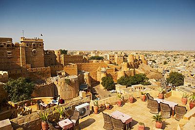Blick über die Stadt Jaisalmer - p1259m1111446 von J.-P. Westermann