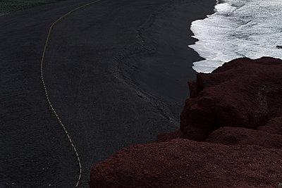 Black sand - p1471m1539261 by Natalia Bazina