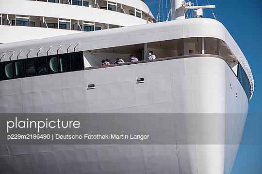 Kreuzfahrtschiff - p229m2196490 von Martin Langer