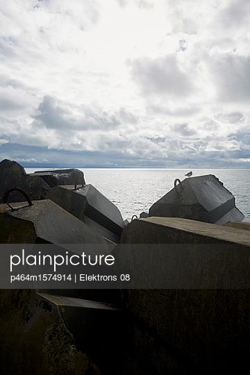 Wellenbrecher - p464m1574914 von Elektrons 08