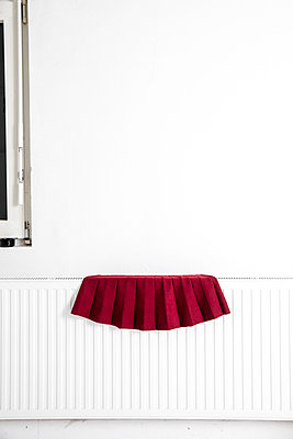 Pleated skirt - p1212m1119465 by harry + lidy