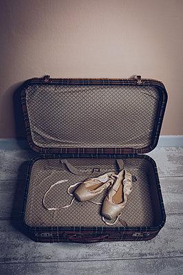 Ballet shoes into vintage suitcase - p1623m2216621 by Donatella Loi