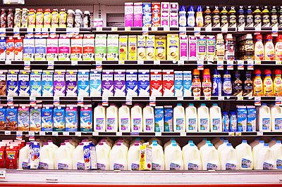 American Supermarket - p579m1203346 by Yabo