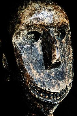Afrikanische Maske - p415m882571 von Tanja Luther