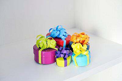Geschenke - p715m755903 von Marina Biederbick