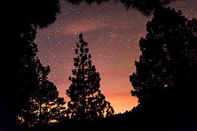 Light pollution - p608m1109907 by Jens Nieth