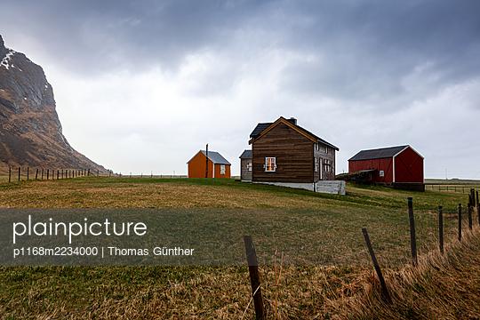 Norway, Lofoten, Farm - p1168m2234000 by Thomas Günther