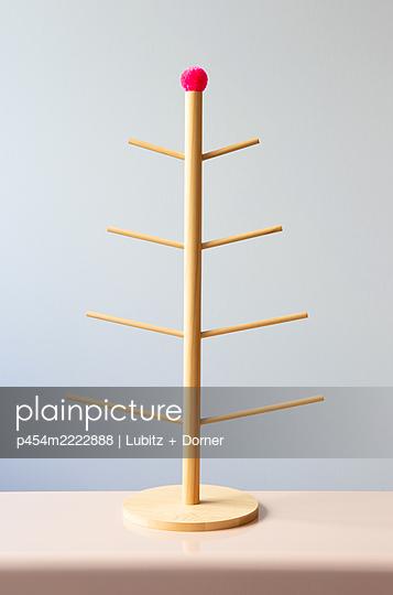 Sehr schlichtes Weihnachten - p454m2222888 von Lubitz + Dorner