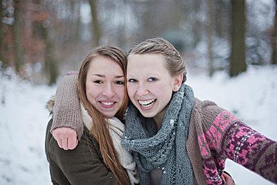 Best friends - p586m766973 by Kniel Synnatzschke