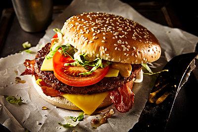 Burger - p851m1528961 by Lohfink