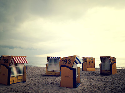 Beach wicker chairs - p879m1134942 by nico