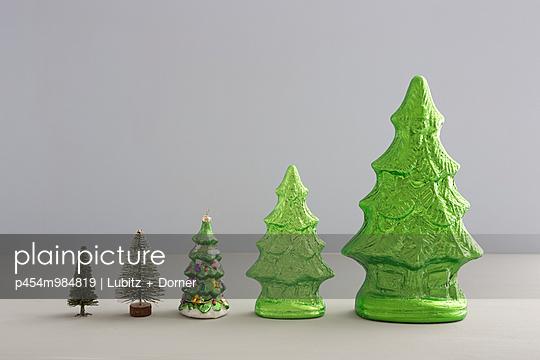 Every year a little bit bigger - p454m984819 by Lubitz + Dorner