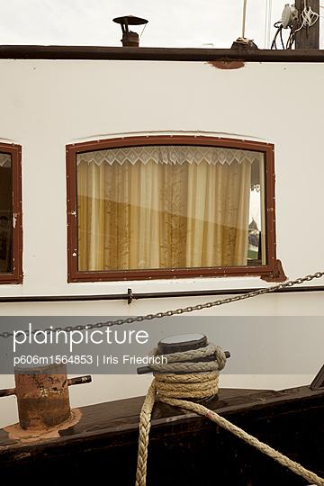 Gemütliche Schiffsreise - p606m1564853 von Iris Friedrich