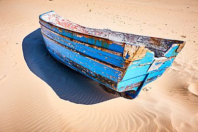 Old wooden boat - p851m2077250 by Lohfink