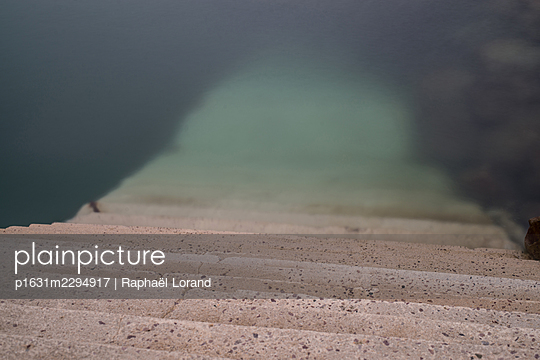 Stairs to the sea - p1631m2294917 by Raphaël Lorand