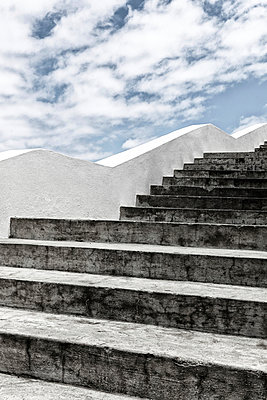 Stairs - p631m912997 by Franck Beloncle