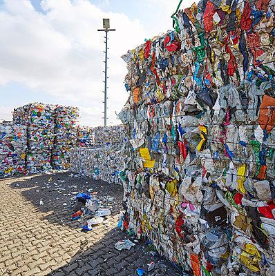 Waste - p719m1000594 by Rudi Sebastian