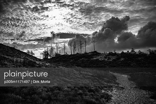 Unheimliche Wolken - p305m1171497 von Dirk Morla