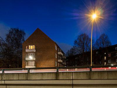 Hamburg Barmbek - p536m1223176 von Schiesswohl