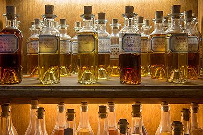 Alcohol - p1216m2260541 von Céleste Manet