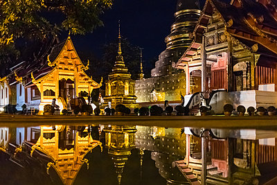 Wat Prasing, Famous temple in Chiang Mai, Thailand. - p1166m2095543 by Cavan Images