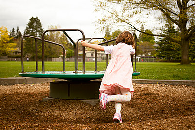 Karussell - p1039m808871 von Noelle Swan Gilbert