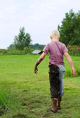 Mud - p1132m1016321 by Mischa Keijser