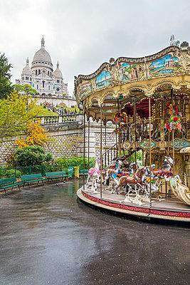 France, Paris, Sacré-Cœur de Montmartre and carousel - p1437m2161024 by Achim Bunz