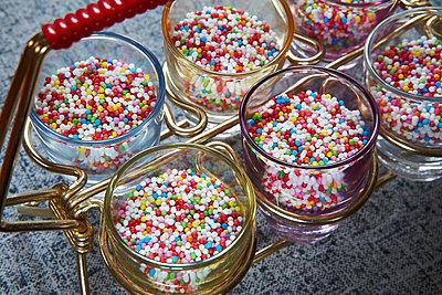 Schnaps mit Zucker - p415m1586119 von Tanja Luther