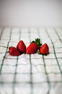 Fresh strawberries - p985m2150050 by lia g.