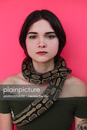 p045m2259656 by Jasmin Sander