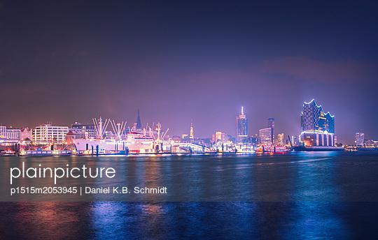 Hamburger Skyline - p1515m2053945 von Daniel K.B. Schmidt