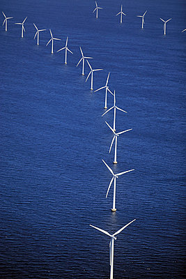 Wind farm Rødsand - p1016m987714 by Jochen Knobloch