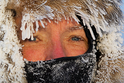 The face of a freezing woman Sweden - p5752034f by Staffan Widstrand