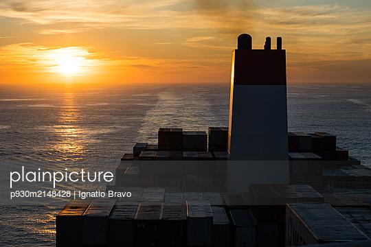 Containerschiff - p930m2148428 von Ignatio Bravo