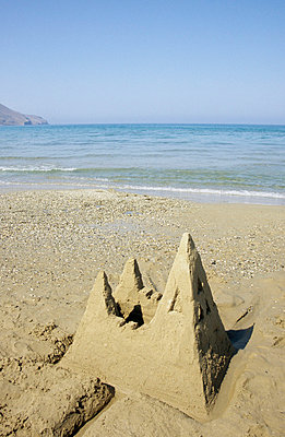 Sandcastle - p0450841 by Jasmin Sander
