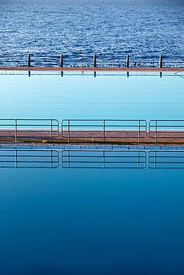 Sea Point Swimming Pool - p226m1516533 by Sven Görlich