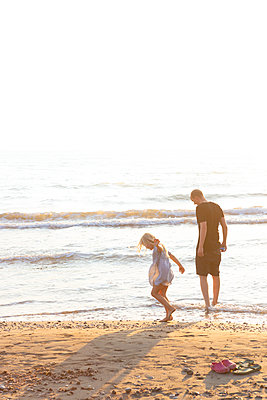 Evening at the beach - p454m2176609 by Lubitz + Dorner