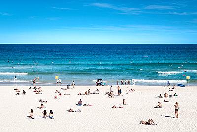 Beach life at Bondi Beach  - p1275m1131972 by cgimanufaktur