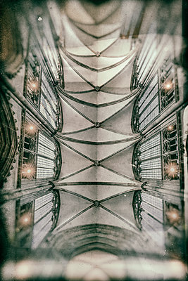 Gothic ceiling construction in Cologne Cathedral - p401m2128117 by Frank Baquet