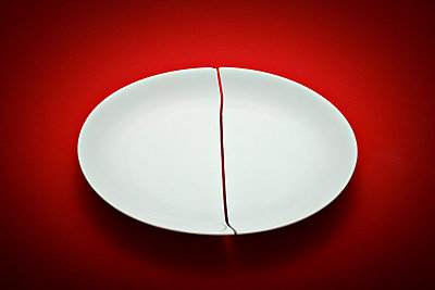 Broken plate - p648m758068 by Ursula Raapke
