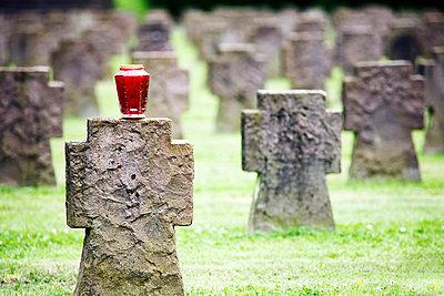 Grave decoration - p5930036 by Ritzerfeld