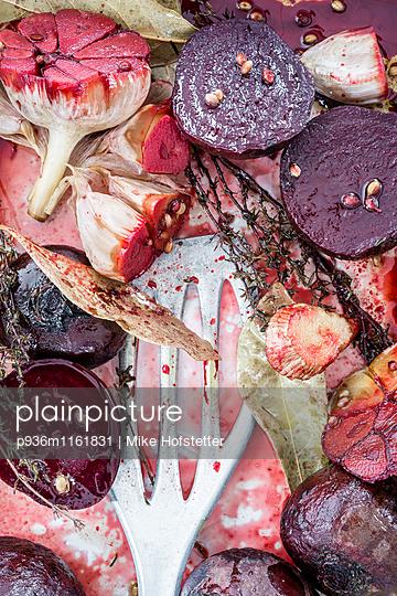 Rote Beete Nahaufnahme - p936m1161831 von Mike Hofstetter