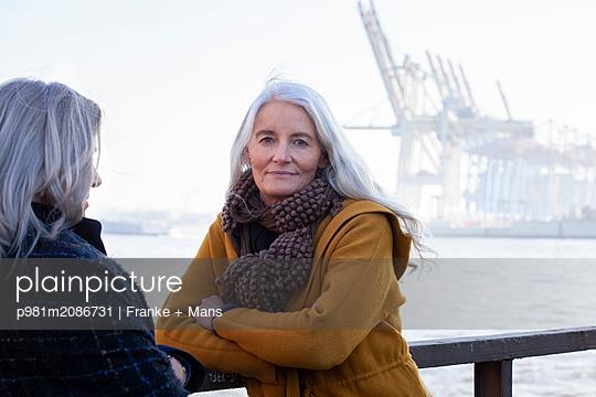 Am Hafen - p981m2086731 von Franke + Mans