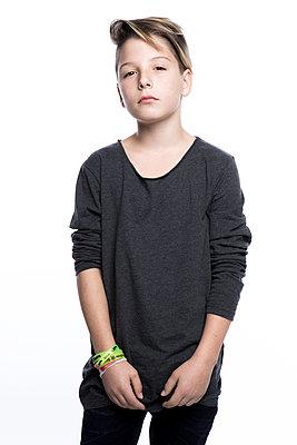 Porträt eines Jungen - p1221m1462656 von Frank Lothar Lange