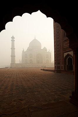 Taj Mahal in der Dämmerung - p1259m1108686 von J.-P. Westermann