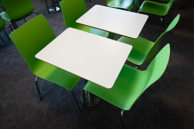 Seating in fast food restaurant - p1418m2288857 by Jan Håkan Dahlström