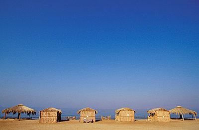 Drei Strandhütten - p2200274 von Kai Jabs