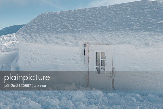 Building at winter - p312m2120997 by Johner